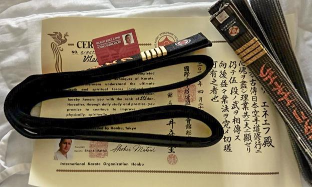 Вручение черного пояса 5 дан Шихану Виталию Энееву