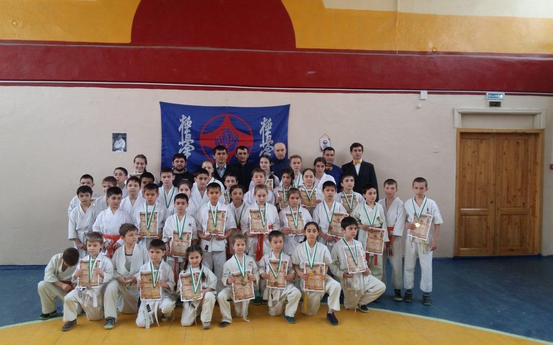 Открытый турнир г. о. Нальчик по Киокусинкай каратэ в разделе «Ката» среди мальчиков, девочек, юношей и девушек.